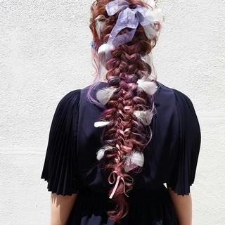 編み込み ゆるふわ 外国人風 ロング ヘアスタイルや髪型の写真・画像