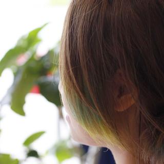 オレンジ イエロー インナーカラー ハイトーン ヘアスタイルや髪型の写真・画像