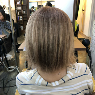 ベージュ ホワイトベージュ ストリート 透明感カラー ヘアスタイルや髪型の写真・画像