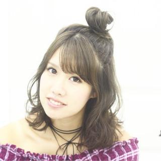 ウェーブ お団子 ピュア ガーリー ヘアスタイルや髪型の写真・画像