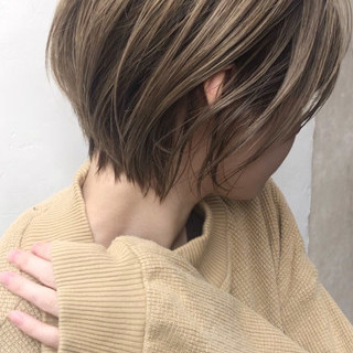 グレージュ アンニュイほつれヘア 外国人風カラー ベージュ ヘアスタイルや髪型の写真・画像