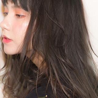 セミロング 外国人風 ハイライト フェミニン ヘアスタイルや髪型の写真・画像