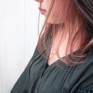 インナーカラーレッド インナーカラー インナーカラーパープル ハイライト ヘアスタイルや髪型の写真・画像