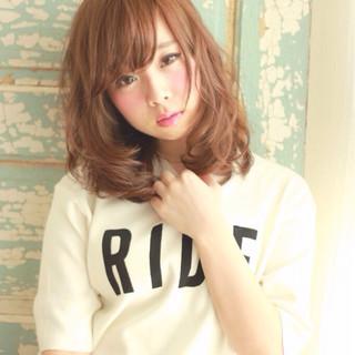 ミディアム アッシュ ピュア ストリート ヘアスタイルや髪型の写真・画像