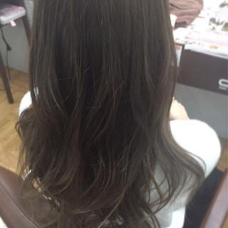 ロング グラデーションカラー グレージュ ナチュラル ヘアスタイルや髪型の写真・画像