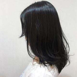 ネイビーブルー デート なんちゃって黒染め ワンカール ヘアスタイルや髪型の写真・画像