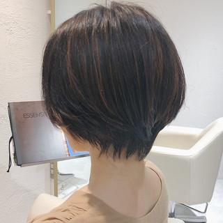 ナチュラル ハンサムショート 小顔ショート 簡単ヘアアレンジ ヘアスタイルや髪型の写真・画像