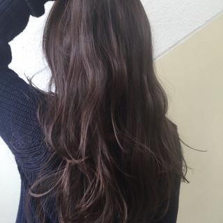 暗髪 外国人風カラー ナチュラル グレージュ ヘアスタイルや髪型の写真・画像