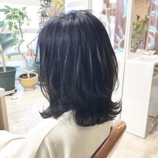 大人ミディアム ボブ ナチュラル ブルーブラック ヘアスタイルや髪型の写真・画像