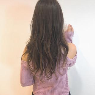 デート セミロング ゆるウェーブ ママ ヘアスタイルや髪型の写真・画像 ヘアスタイルや髪型の写真・画像
