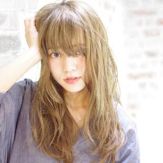 うざバング ロング アッシュ 外国人風 ヘアスタイルや髪型の写真・画像