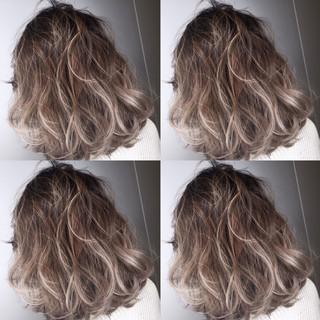 大人かわいい ボブ 外国人風 ハイライト ヘアスタイルや髪型の写真・画像 ヘアスタイルや髪型の写真・画像
