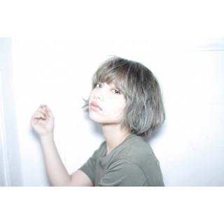 ハイトーン ショート ガーリー ボブ ヘアスタイルや髪型の写真・画像