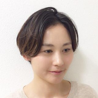 ナチュラル 大人女子 ショート かっこいい ヘアスタイルや髪型の写真・画像