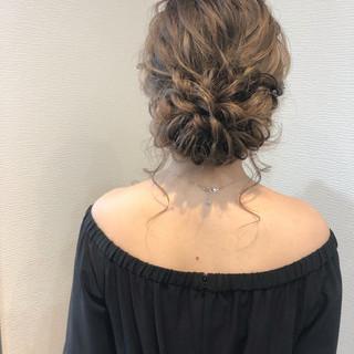 ヘアアレンジ フェミニン ねじり アップ ヘアスタイルや髪型の写真・画像