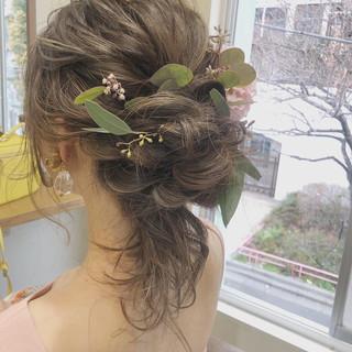 ゆるふわ ガーリー ヘアアレンジ 結婚式 ヘアスタイルや髪型の写真・画像