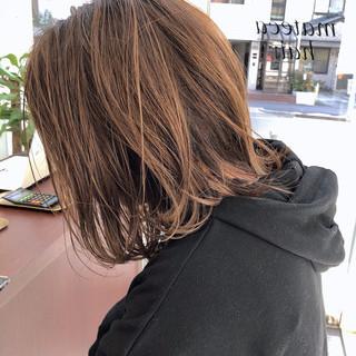 デート 切りっぱなし ナチュラル オレンジブラウン ヘアスタイルや髪型の写真・画像