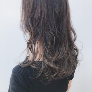 オフィス セミロング デート グレージュ ヘアスタイルや髪型の写真・画像