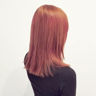 レッド 透明感 ミディアム ガーリー ヘアスタイルや髪型の写真・画像