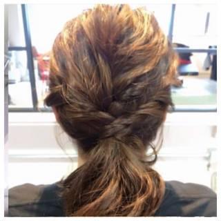 ポニーテール ねじり ヘアアレンジ ナチュラル ヘアスタイルや髪型の写真・画像