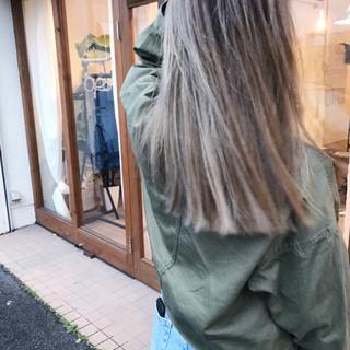 ハイライト ストリート セミロング 切りっぱなし ヘアスタイルや髪型の写真・画像