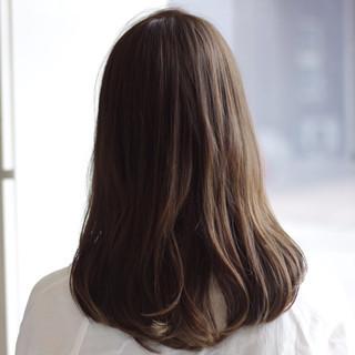 内巻き オフィス セミロング ストレート ヘアスタイルや髪型の写真・画像