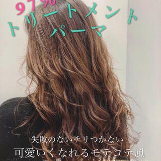 エレガント 巻き髪 ロング 小顔ヘア ヘアスタイルや髪型の写真・画像 ヘアスタイルや髪型の写真・画像
