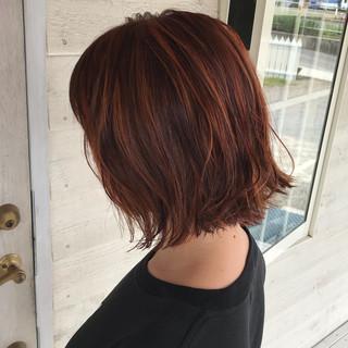 ブラットオレンジ 切りっぱなしボブ オレンジカラー ハイライト ヘアスタイルや髪型の写真・画像