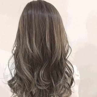 ブリーチオンカラー ホワイトグレージュ 圧倒的透明感 透明感カラー ヘアスタイルや髪型の写真・画像