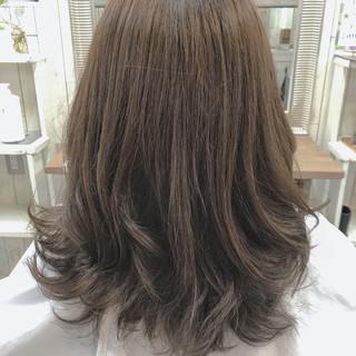 透明感 デート セミロング オフィス ヘアスタイルや髪型の写真・画像 ヘアスタイルや髪型の写真・画像