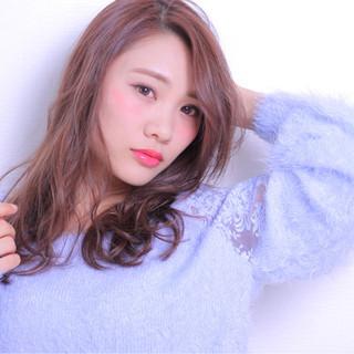 アンニュイ 冬 色気 セミロング ヘアスタイルや髪型の写真・画像