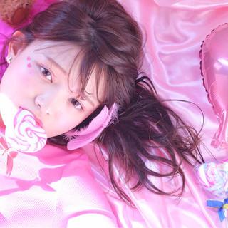 ガーリー ピンク ヘアアレンジ セミロング ヘアスタイルや髪型の写真・画像