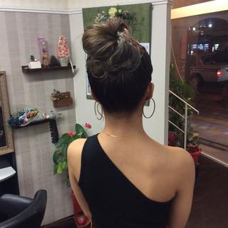 ガーリー ヘアアレンジ 簡単ヘアアレンジ デート ヘアスタイルや髪型の写真・画像