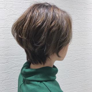 こなれ感 ハイライト ウェーブ かっこいい ヘアスタイルや髪型の写真・画像