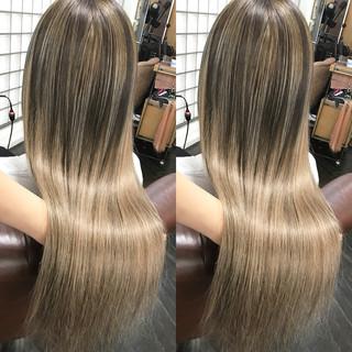 エレガント ロング 成人式 エクステ ヘアスタイルや髪型の写真・画像