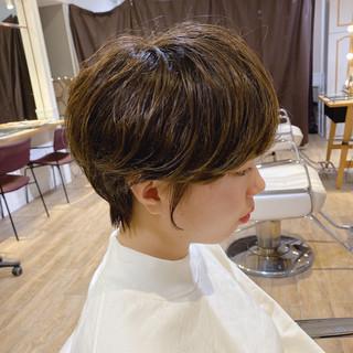 毛先パーマ ナチュラル 簡単ヘアアレンジ ショートヘア ヘアスタイルや髪型の写真・画像