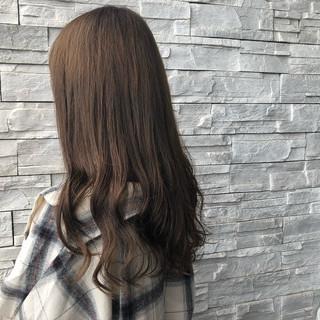 ロング ガーリー グレージュ イルミナカラー ヘアスタイルや髪型の写真・画像