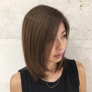 エレガント 外国人風カラー グレージュ ハイライト ヘアスタイルや髪型の写真・画像 ヘアスタイルや髪型の写真・画像