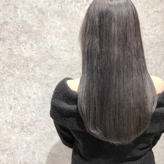 デート アンニュイほつれヘア シルバーグレイ ダメージレス ヘアスタイルや髪型の写真・画像