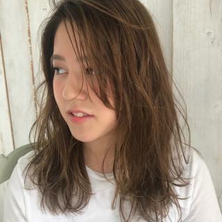 ナチュラル リラックス アンニュイ セミロング ヘアスタイルや髪型の写真・画像