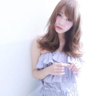 外国人風 ゆるふわ 大人かわいい セミロング ヘアスタイルや髪型の写真・画像