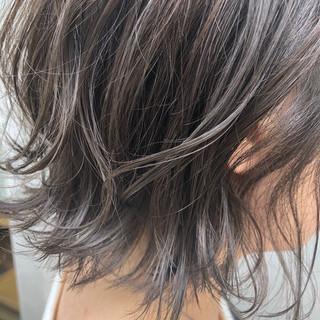 ナチュラル アンニュイほつれヘア ボブ 切りっぱなしボブ ヘアスタイルや髪型の写真・画像