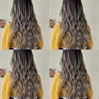 エクステ ロング グラデーションカラー 外国人風カラー ヘアスタイルや髪型の写真・画像 ヘアスタイルや髪型の写真・画像