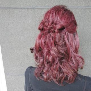 ヘアアレンジ ミディアム ピンク レッド ヘアスタイルや髪型の写真・画像