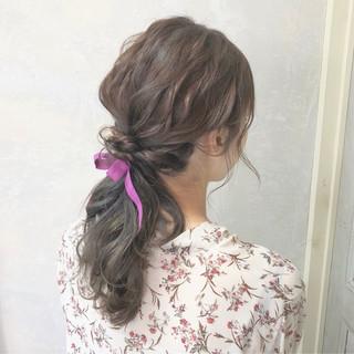 簡単 ヘアアレンジ ナチュラル ローポニーテール ヘアスタイルや髪型の写真・画像