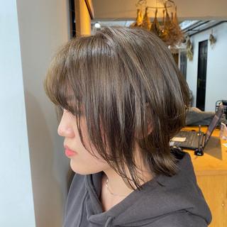 オリーブグレージュ ナチュラル オリーブベージュ ボブ ヘアスタイルや髪型の写真・画像