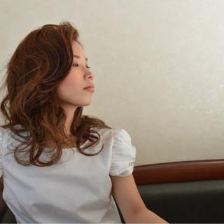 セミロング 前髪あり 大人女子 かき上げ前髪 ヘアスタイルや髪型の写真・画像 ヘアスタイルや髪型の写真・画像