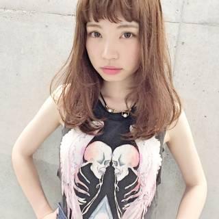 ストリート 大人かわいい 外国人風 セミロング ヘアスタイルや髪型の写真・画像