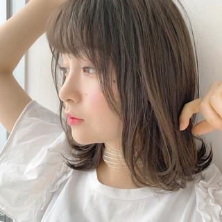 ミディアム 大人かわいい 簡単スタイリング レイヤーカット ヘアスタイルや髪型の写真・画像