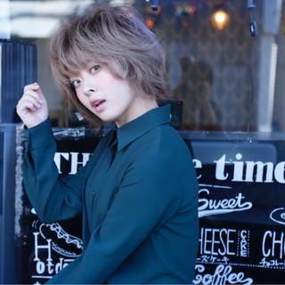 外国人風 ショート ホワイトアッシュ フェミニン ヘアスタイルや髪型の写真・画像
